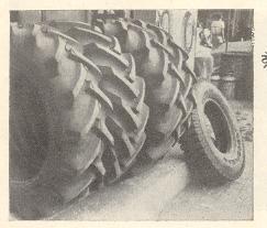 ट्रॅक्टरचे रबरी टायर