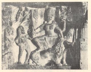 महिषासुरमर्दिनी दुर्गा,लेणे क्र.२१,वेरुळ,७ वे शतक.