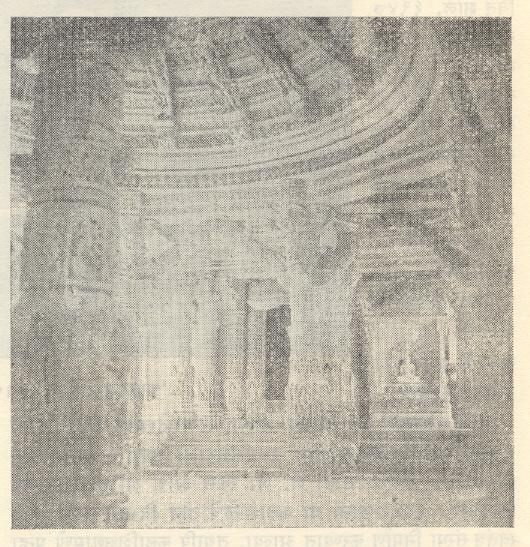 दिलवाडा येथील एका मंदिराचा अंतर्भाग, अबू.