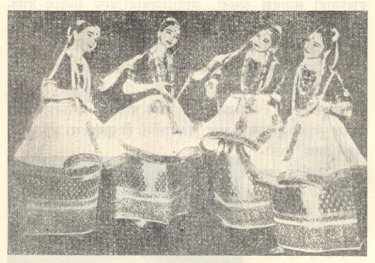 एक मणिपुरी नृत्याविष्कार