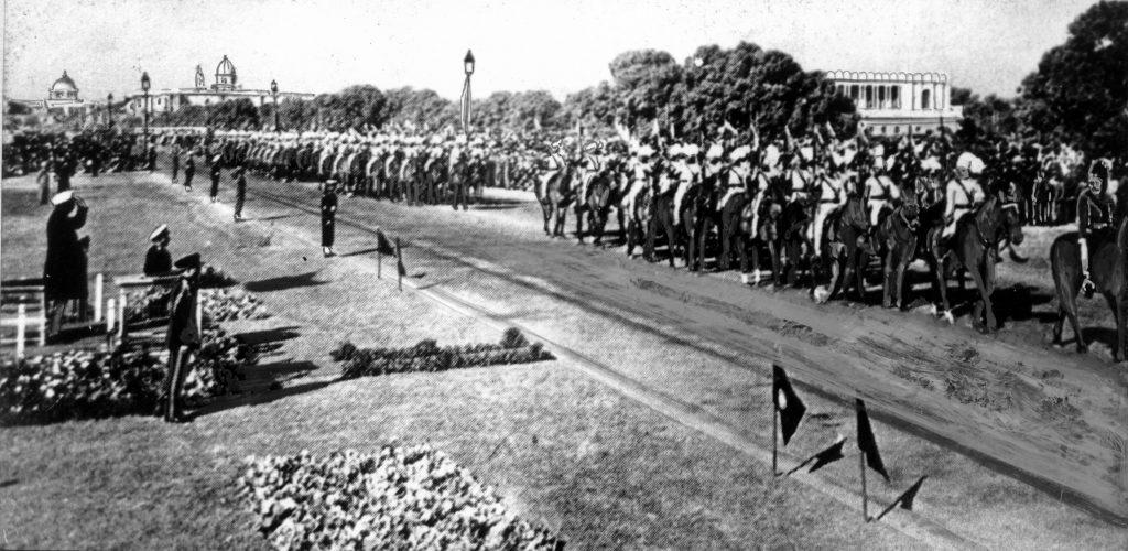 प्रजासत्ताक दिनी भारतीय सेनादलाचे संचलन